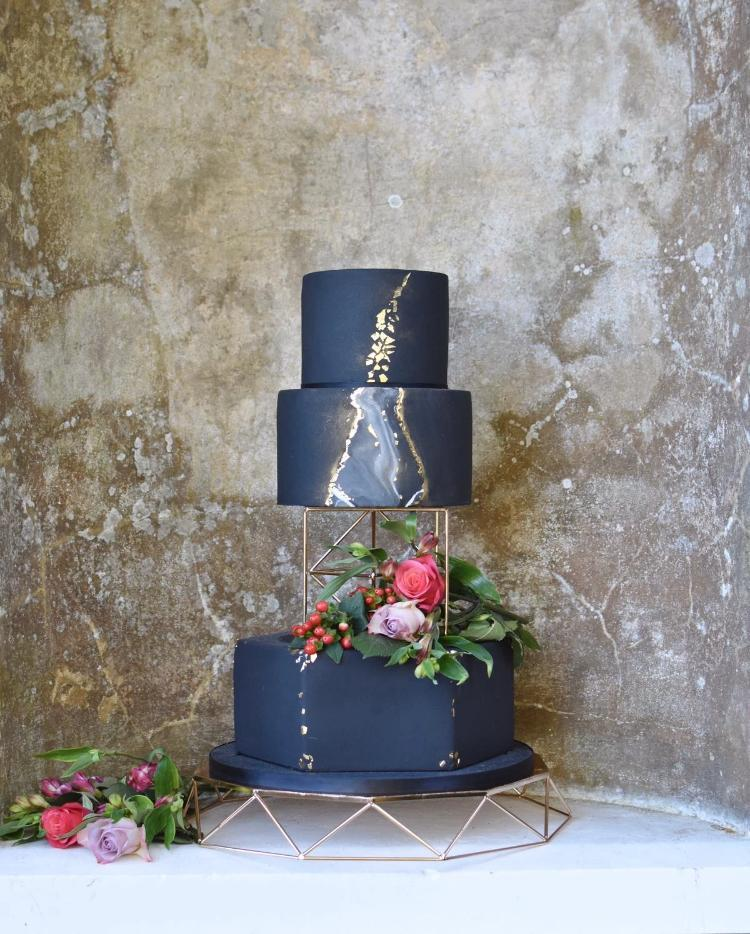 Prop Options Geometric cake stand 16'' mirror gold cake display