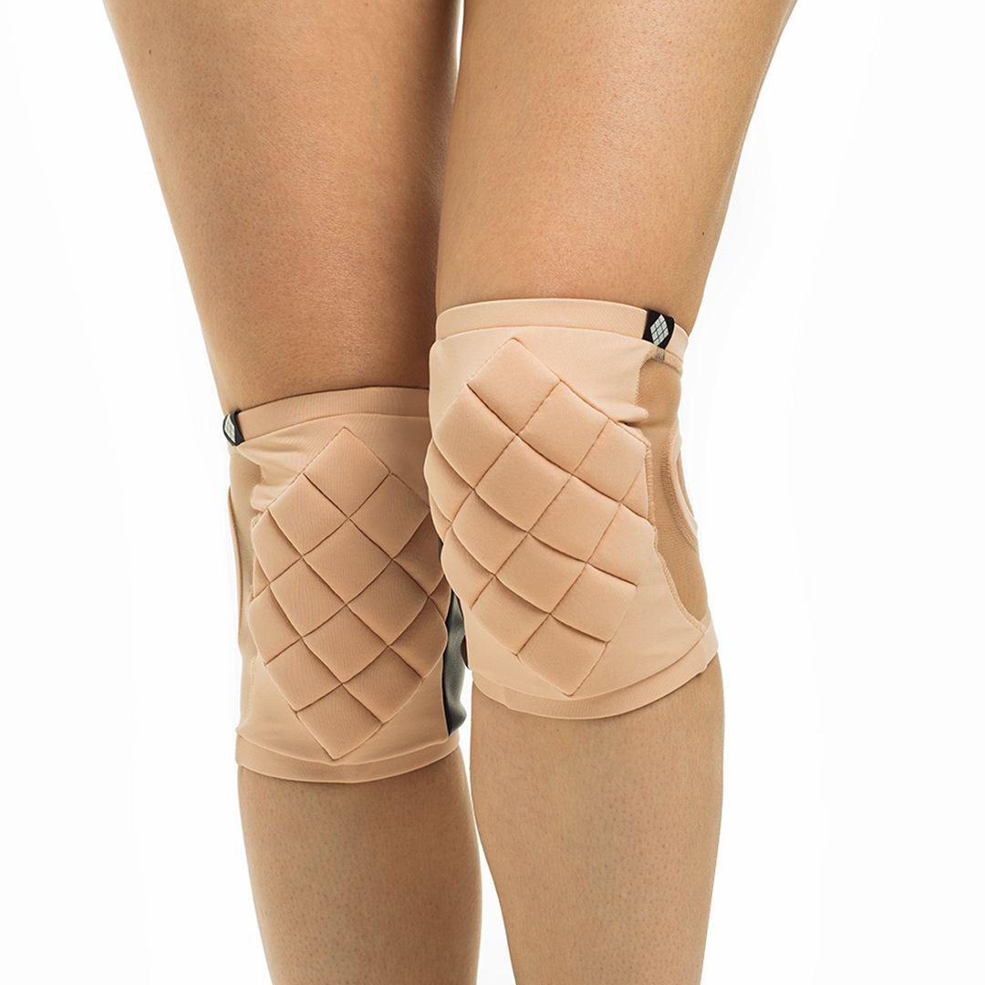 Poledancerka pole dance clothing knee pads Powder front view