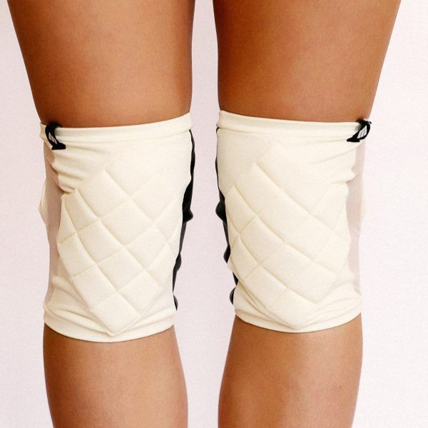 Poledancerka pole dance clothing knee pads ivory white front view