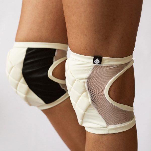 Poledancerka pole dance clothing knee pads ivory white side view