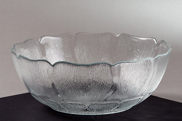 "9"" Glass Bowl (rental price)"