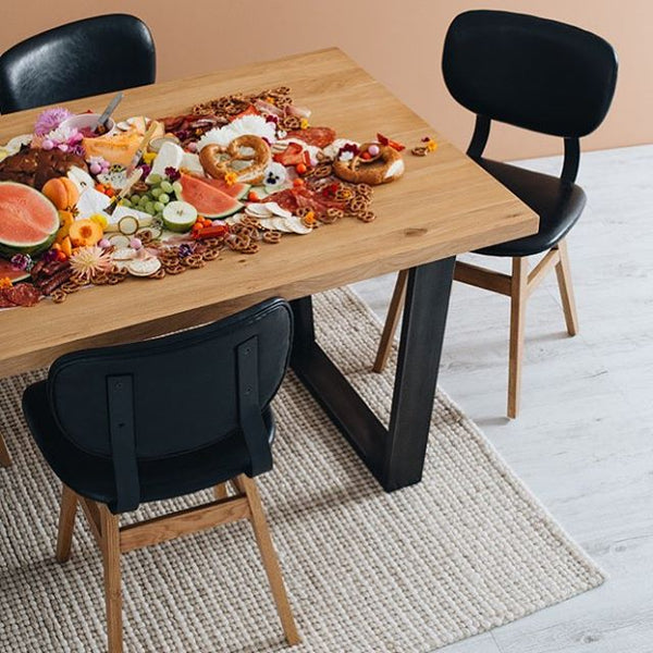NEW YORKER 2000 DINING TABLE