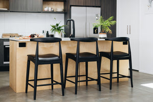 ELBOW BARSTOOL | BLACK | NATURAL OAK |  DEEP OAK