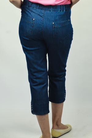 Load image into Gallery viewer, 3/4 Jeans with detail