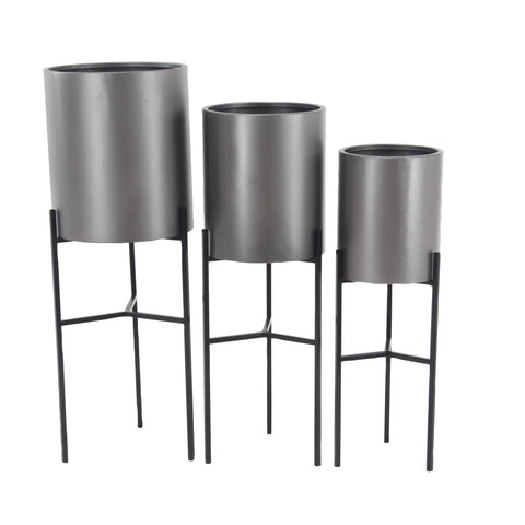 Zimlay Contemporary Iron Black And Gray Drum Set Of 3 Planters With Stand 36752