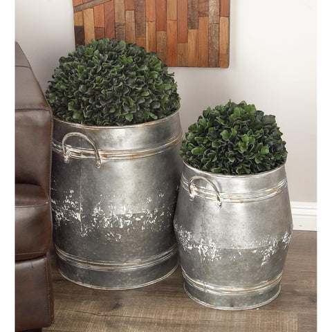 Zimlay Farmhouse Gray Iron Barrel-Shaped Set Of 3 Planters 84258