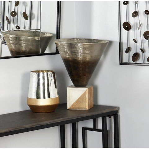 Zimlay Rustic Funnel Pot Ombre On A Stone Base 88768