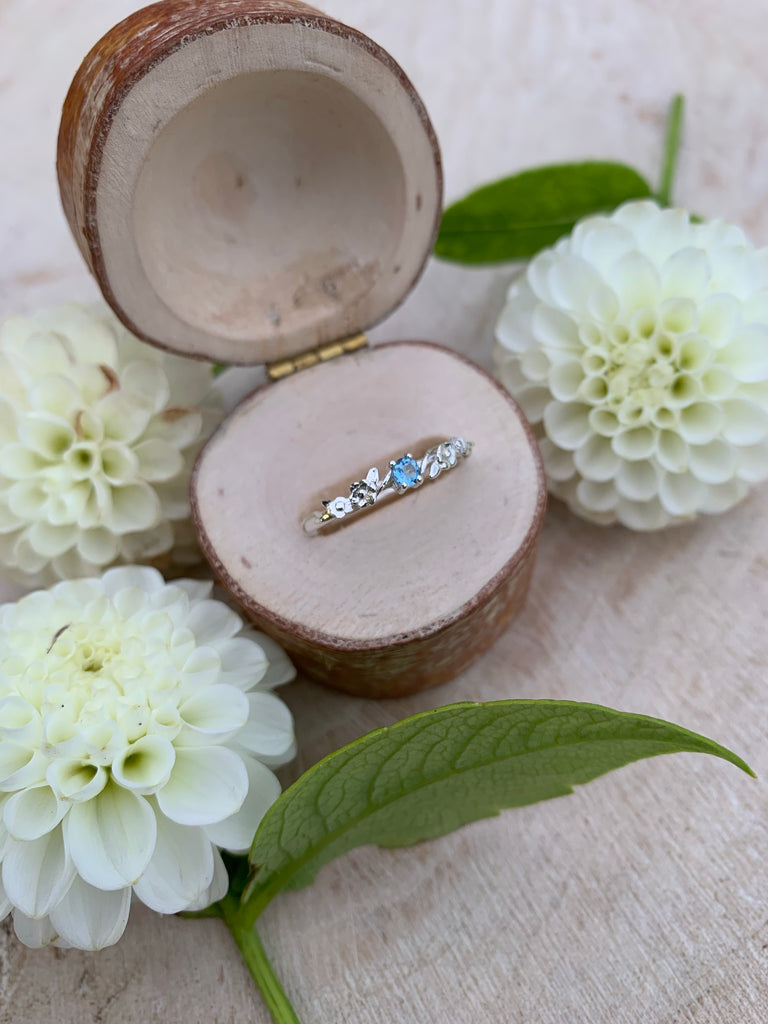 Silver Aquamarine Flower Stone Garland Ring