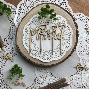 GINGER RAY Just Married Wooden Cake Topper