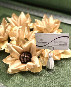 Golden Lily- box of 6 flowers