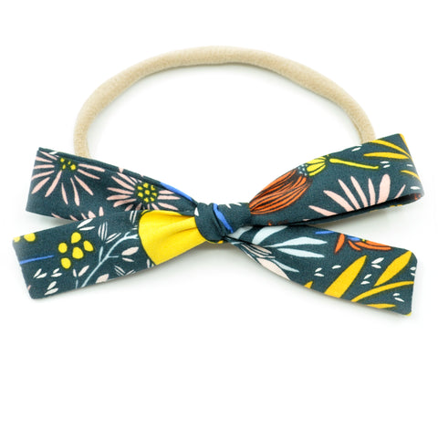 Charcoal Wildflowers Leni Bow