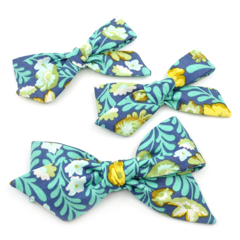 Turquoise Tropical Floral Evy Bow