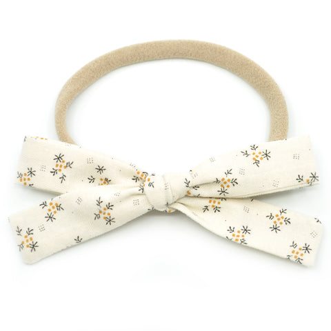 Ivory Fall Sprigs Leni Bow