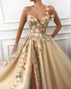 Blossom Essence Teuta Matoshi Gown