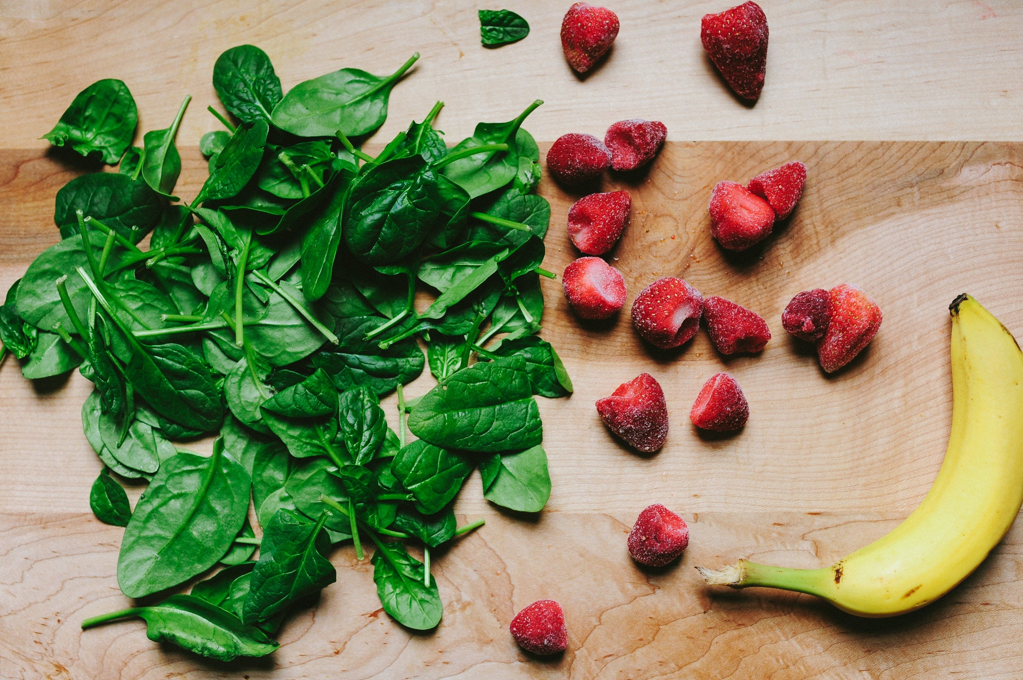 Greens, berries and banana for green smoothie
