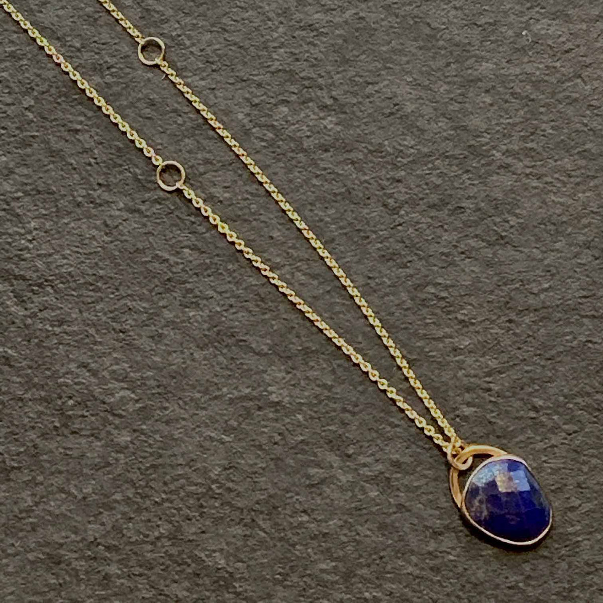 Jane Hollinger 14 Karat Yellow Gold Lapis Lazuli Necklace