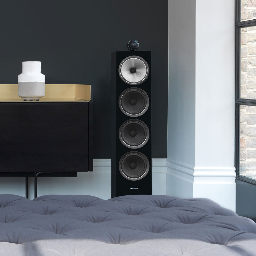 Bowers & Wilkins 702 S2 Speaker. Black