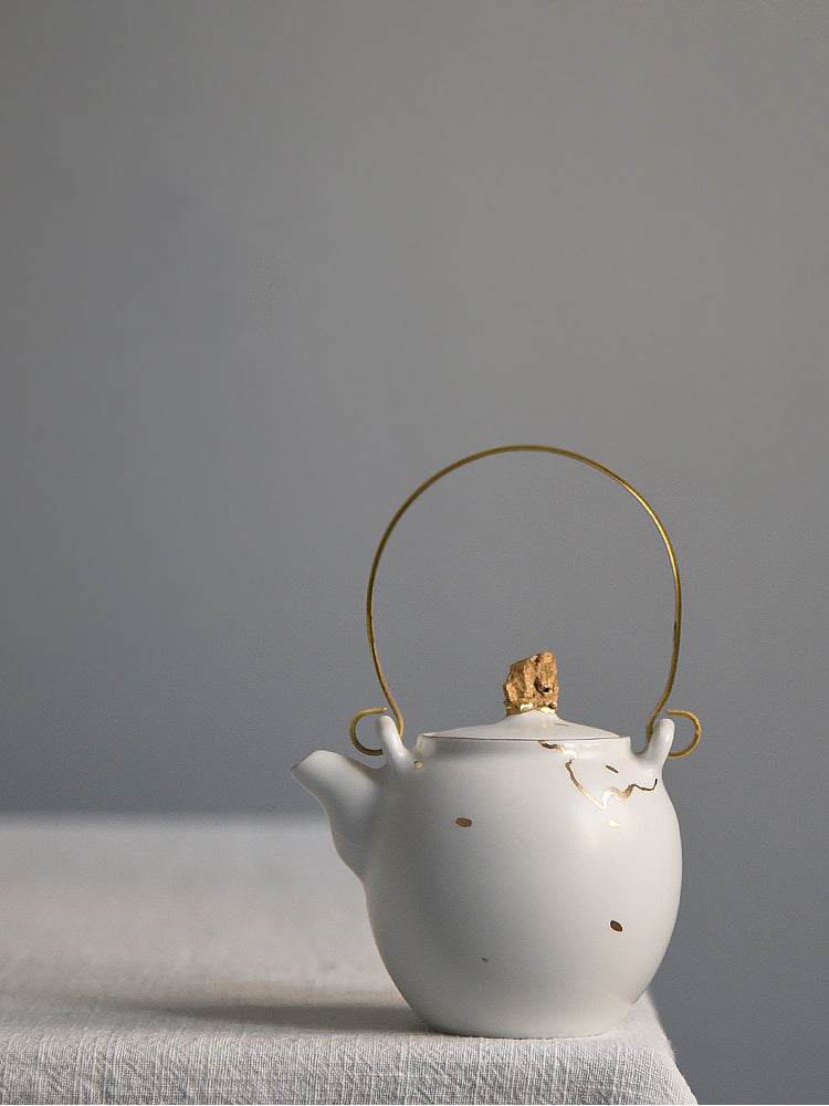 Gold-Veined porcelain teapot
