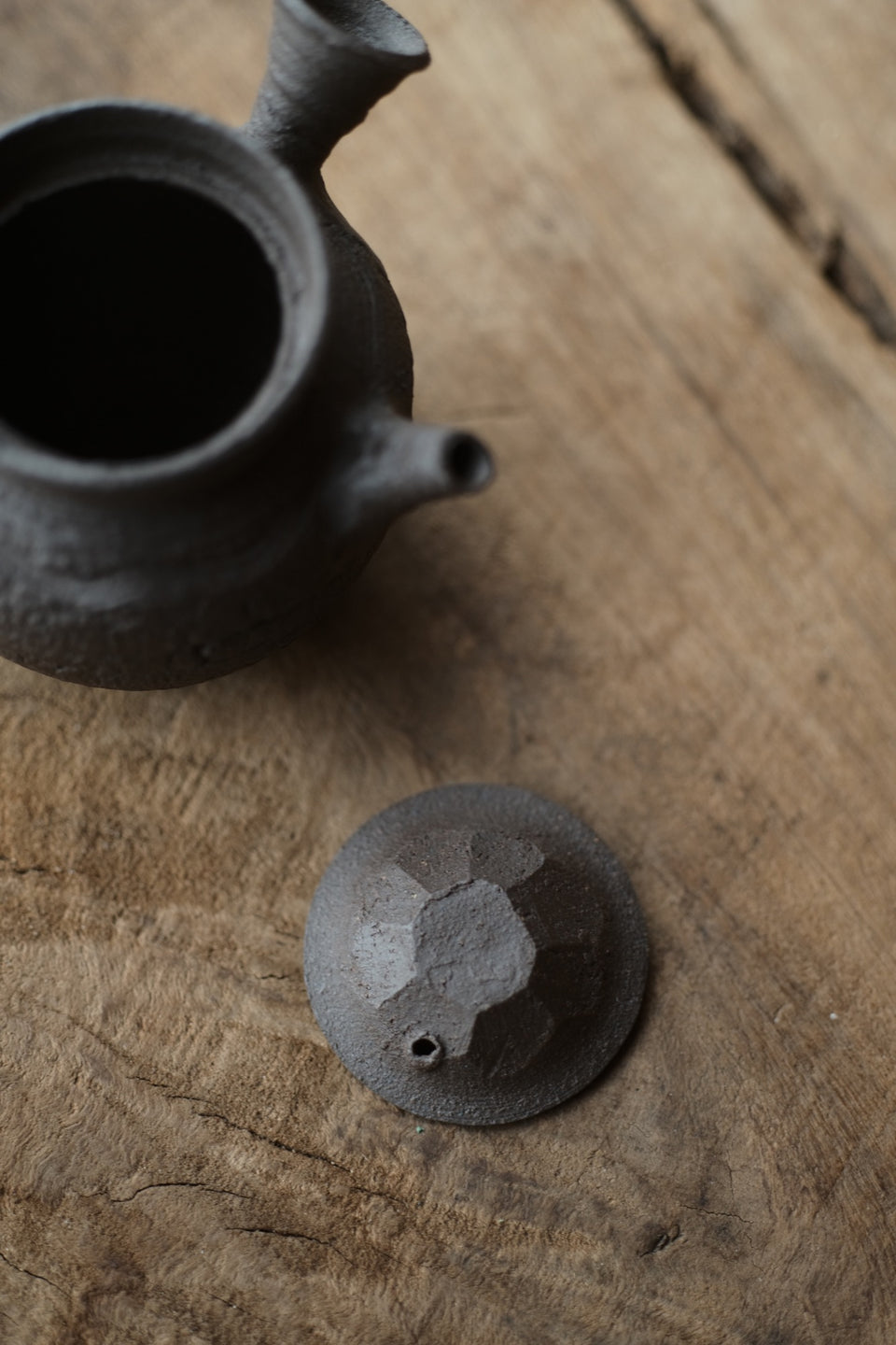 Natural cracked clay-surface side-handle teapot (Chen Wei)