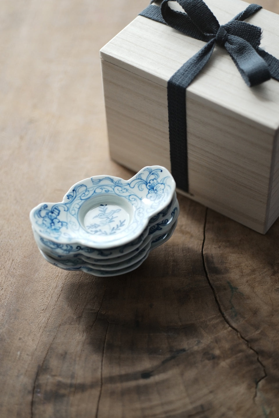 Qinghua Camellia leaf and bird coaster
