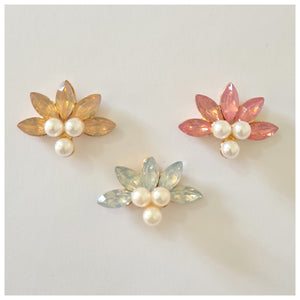 1 x Pearl & Rhinestone Embellishment (3 colours available)