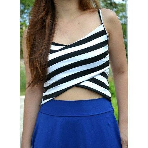 Sexy Spaghetti Strap Sleeveless Striped Low Cut Women's Crop Top - White And Black One Size - Rich In Apparel
