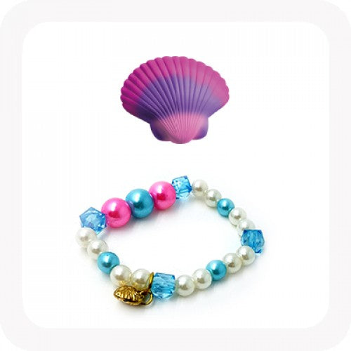 Magic Hatching Clam Shell with Pearl Bracelet