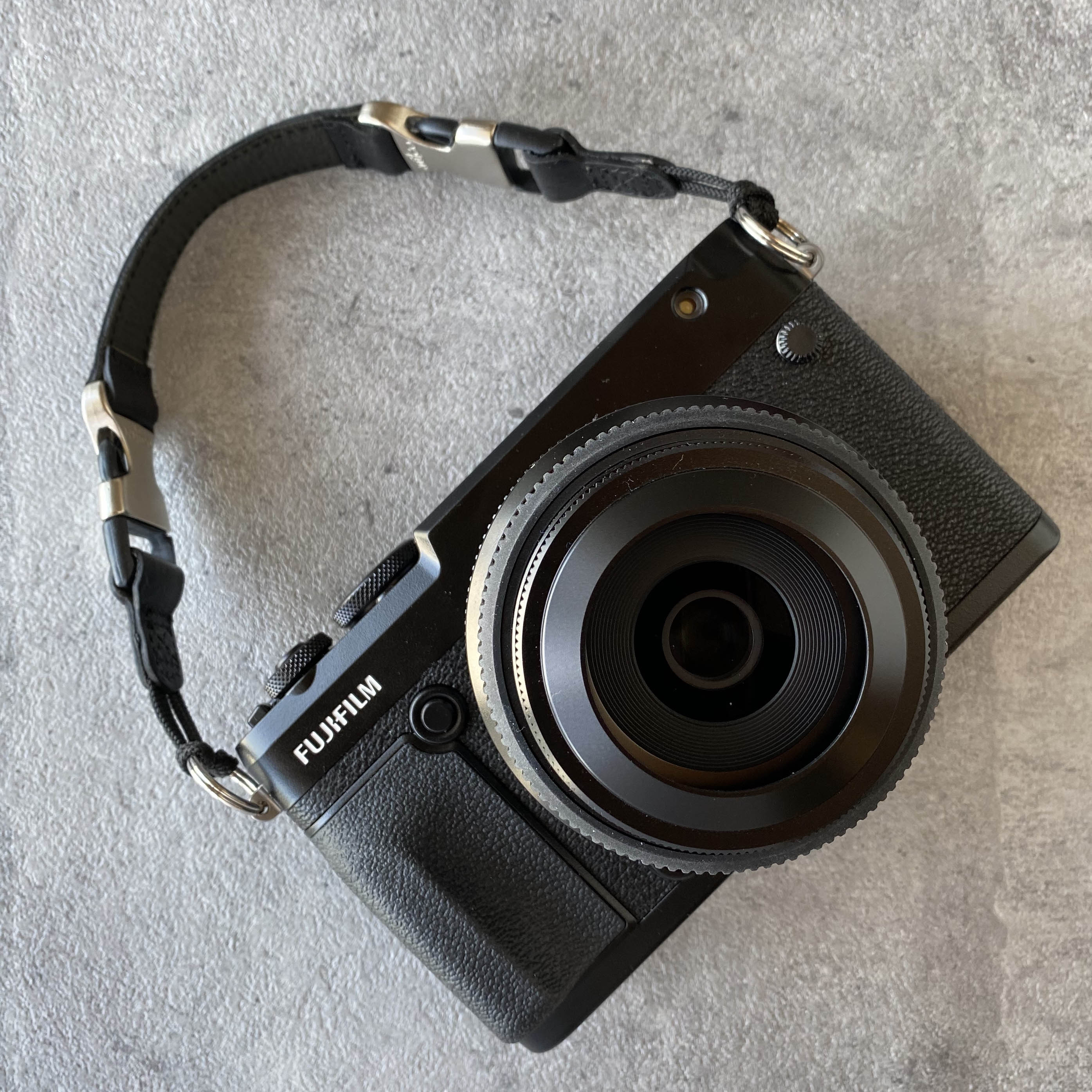 YOSEMITE CAMERA STRAP PRO HANDLE<br>MAD BLACK
