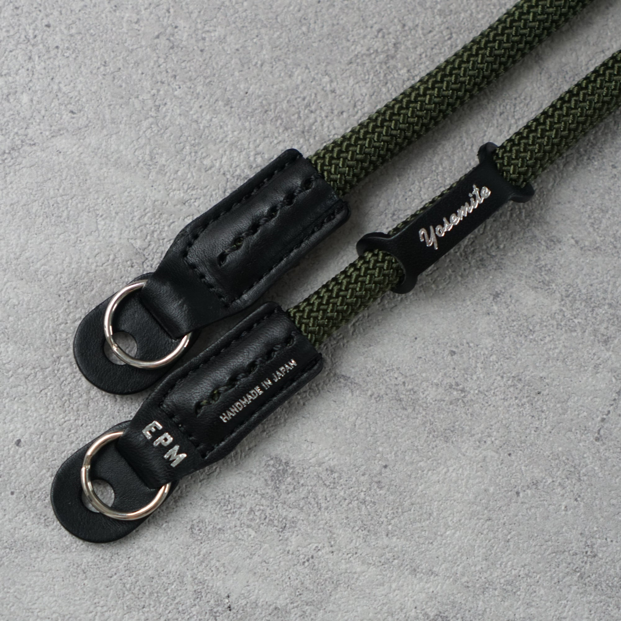 YOSEMITE CAMERA STRAP <br>SAFARI