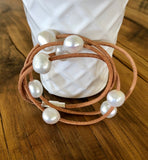 Leather and freshwater pearl bracelet