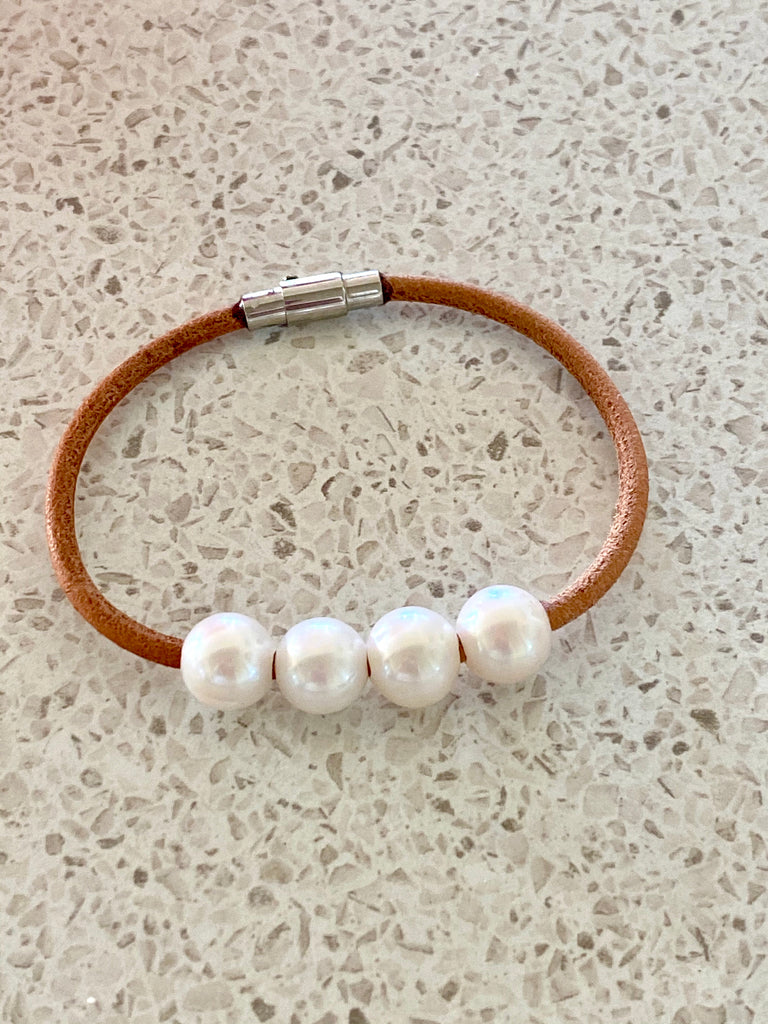 Leather + Pearl Bracelet
