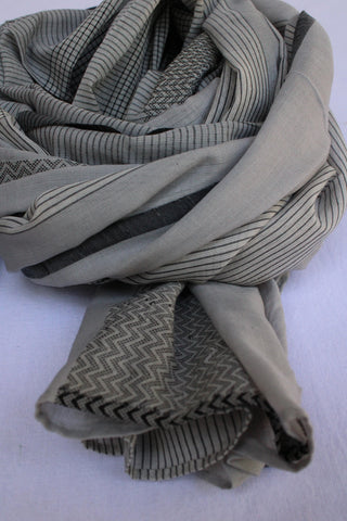 Black and White Rehwa Cotton Scarf