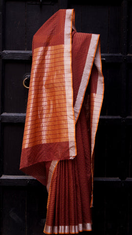 Contemporary checkered handloom Maheshwari sari