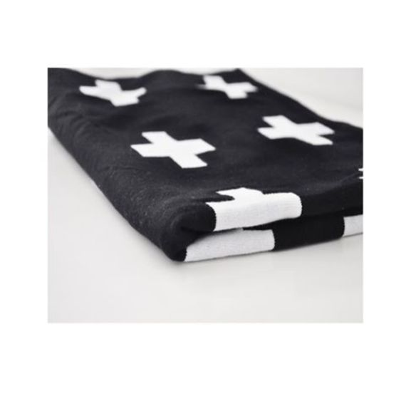 Black & White Knit Blanket