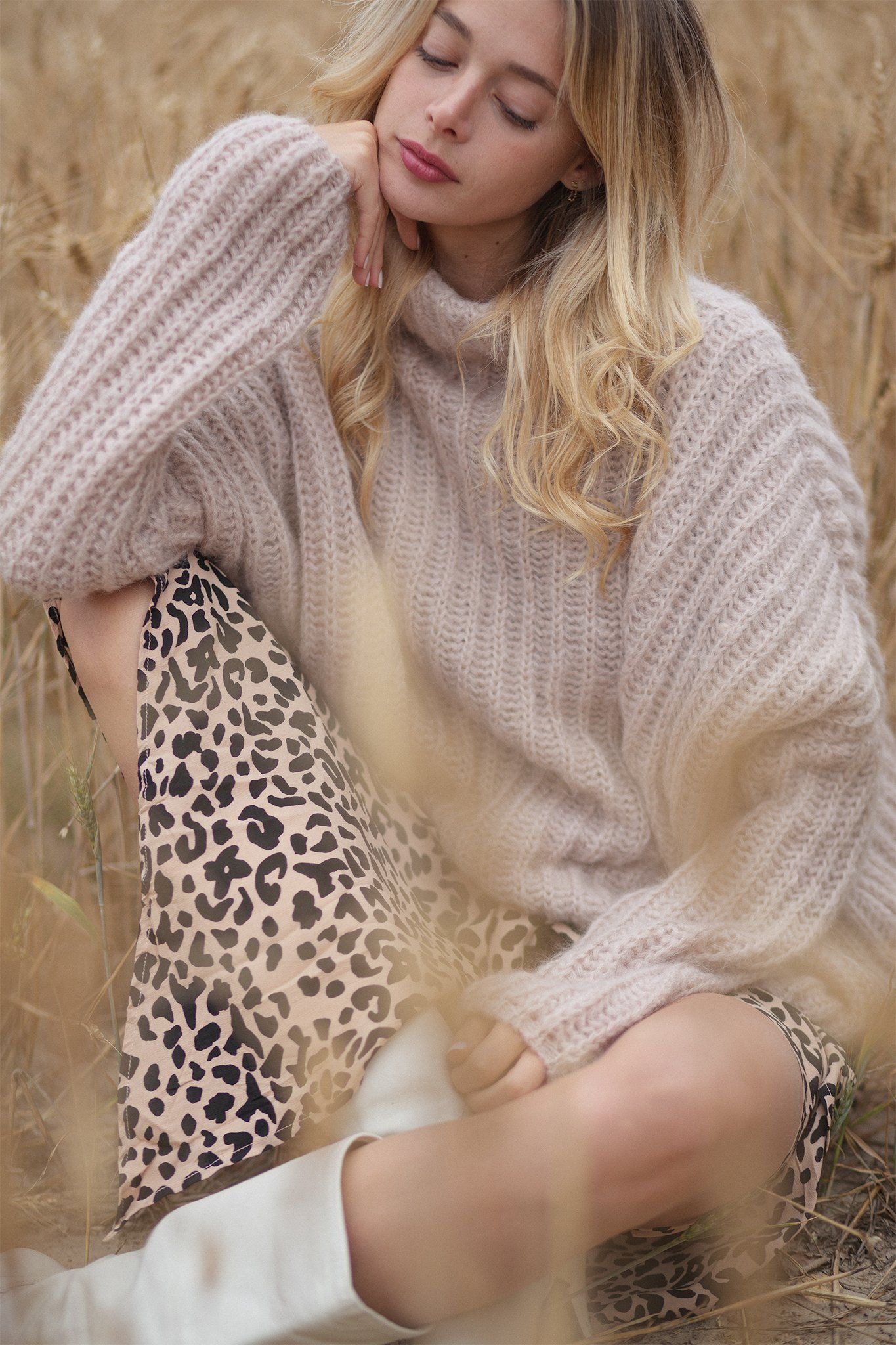 Lilou Sweater - Beige, [product_type]- Poppy Field the label