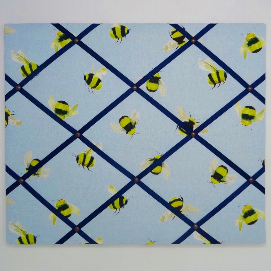 Bumble bee / Navy Ribbon Memo Board