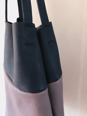 THE LEATHER TOTE BAG IN TWO COLOURS
