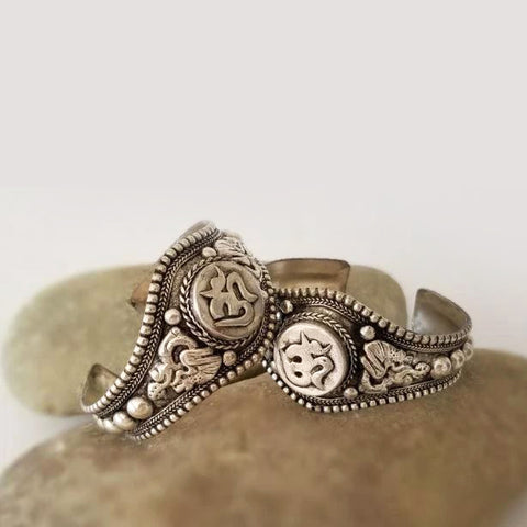 Bracelat | Accessories |  Jewelry | Handmade Om White Metal Bracelet