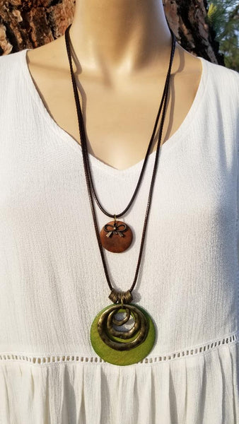 DOUBLE LAYER EARTHY WOOD CHARM NECKLACE