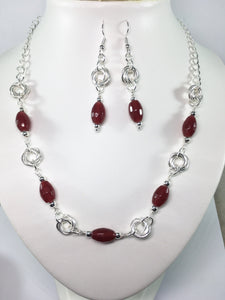 Red Quartz Möbius Set