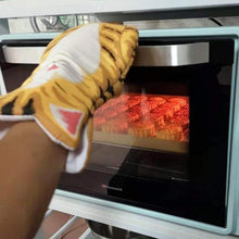 Load image into Gallery viewer, Cat Paws Heat Resistant Oven Mitts