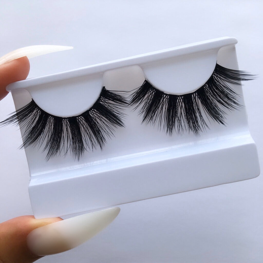 SWERVE - Eye Kandy cruelty-free silk lashes NZ