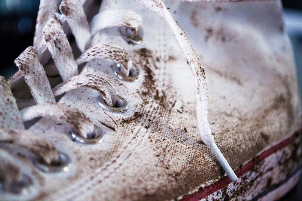 Dirty white Converse All Stars