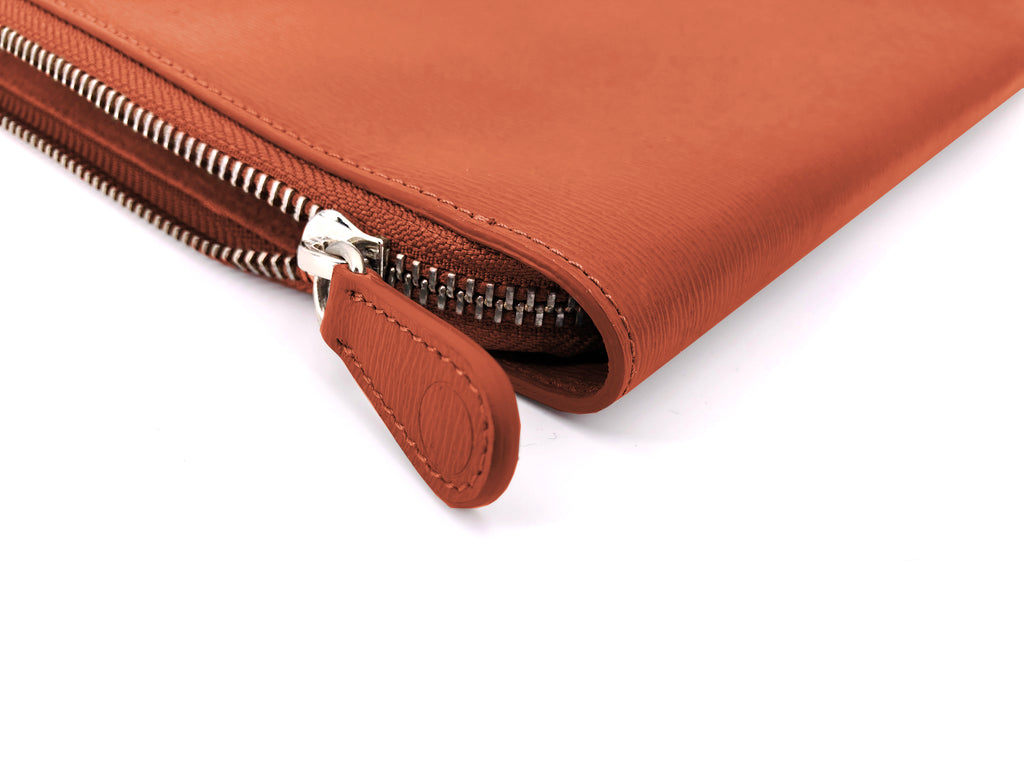 P111_THE POUCH_BRWN - thefranceschini.com