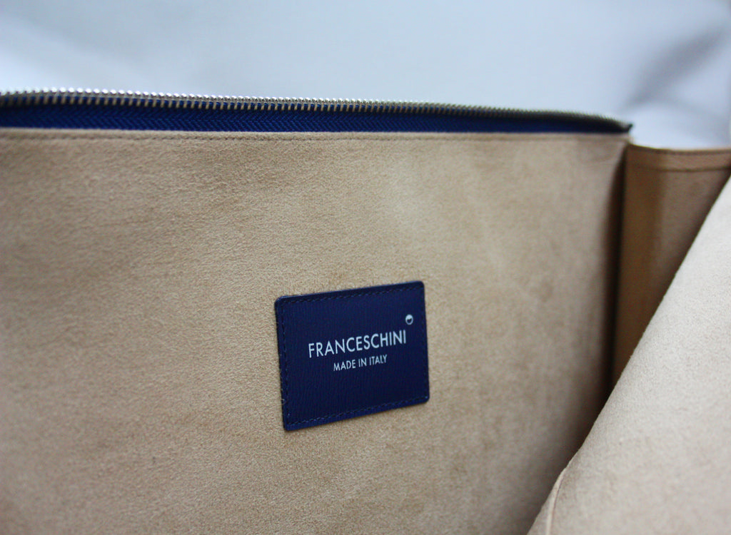P111_THE POUCH_BLUE - thefranceschini.com