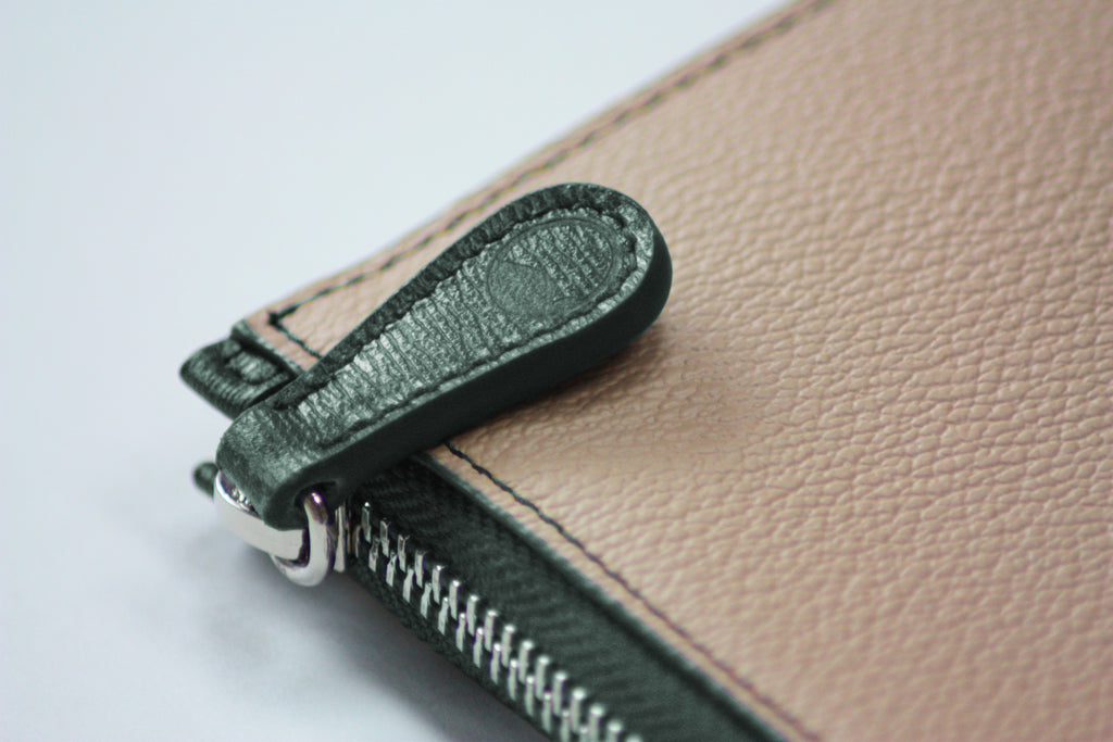 P111 THE POUCH CANVAS-GREEN