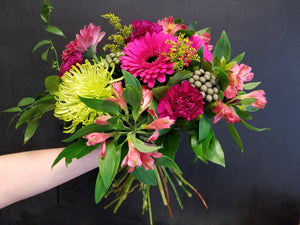 Spring Hand tied cut flowers