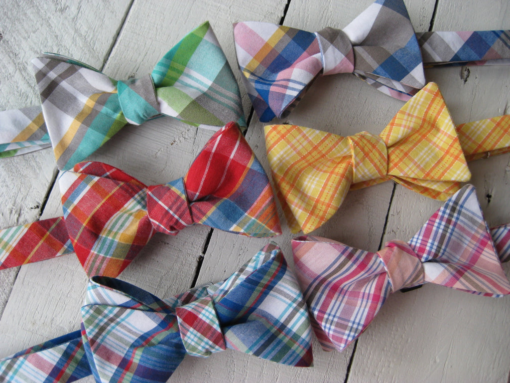 Newport Plaid Bow Tie