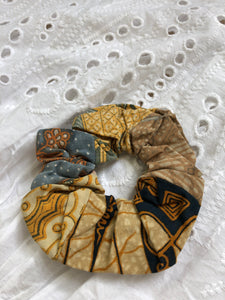 Balinese Batik Scrunchie No. 4 - MAE I Mary U