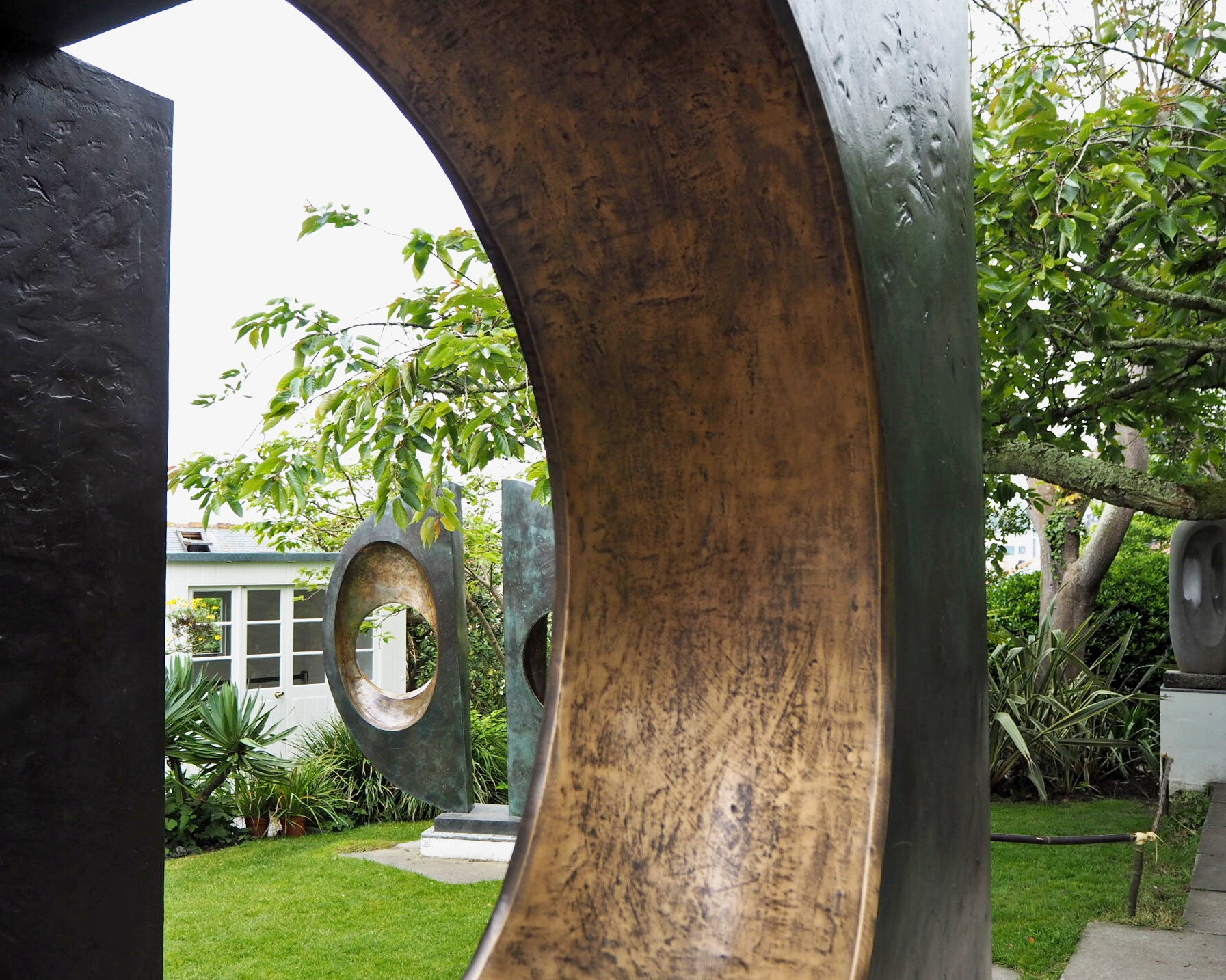 modernist-sculpture-cornwall